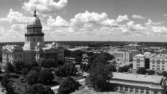 fullscreen-background-il-state-capitol-4